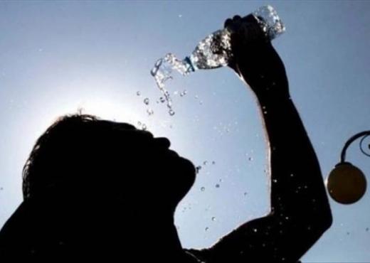 Mënyrat për t'u freskuar shpejtë gjatë ditëve të nxehta