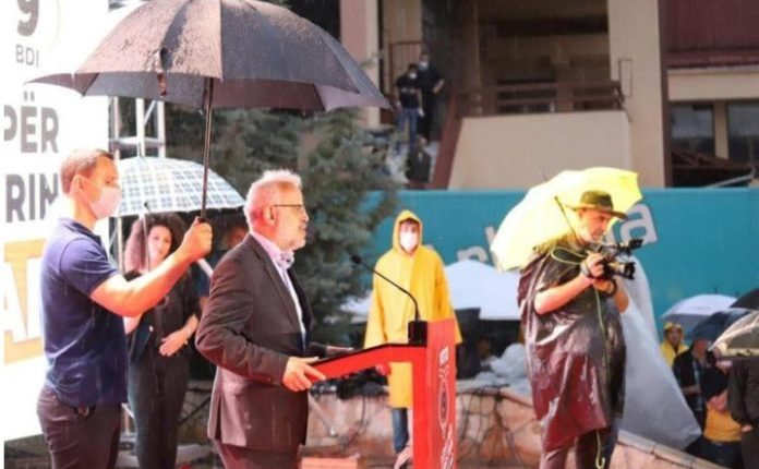 Talat Xhaferi nga Kërçova: Populli qëndron prapa neve në sfidat e rradhës