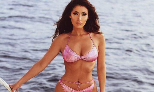 Nora Istrefi sjell foto në bikini nga maja e jahtit luksoz (FOTO)
