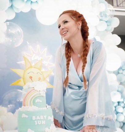 Kishte marrë vendim të mos bënte fëmijë, blogerja shqiptare bëhet nënë (FOTO LAJM)
