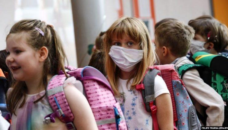 Mijëra nxënës gjermanë u rikthehen shkollave