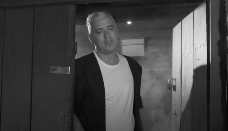 """Këngëtari Elbasan Munishi publikon baladën """"Loti Jetimit"""""""