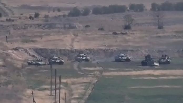 Pamje nga luftimet e ashpëra mes Azerbajxhanit dhe Armenisë, goditet depoja e municionit (VIDEO)