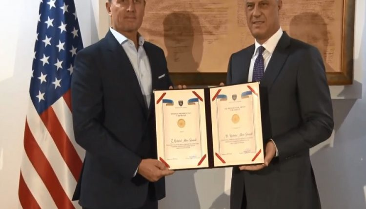 Thaçi dekoron Grenellin me Medaljen Presidenciale të Meritave
