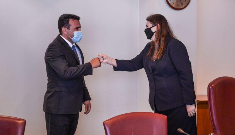 Zaev-Çaba: Para qytetarëve dhe shtetit janë mundësitë e reja historike në eurointegrime dhe ekonomi