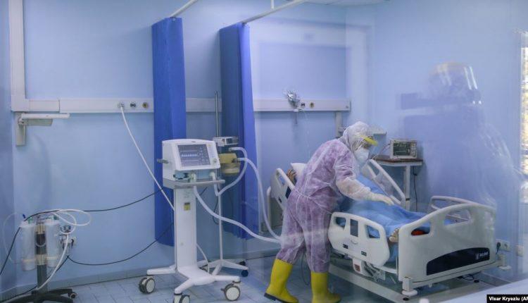 Një viktimë dhe 46 raste të reja me koronavirus në Kosovë