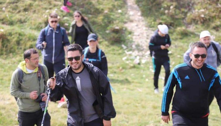 Ministri i Ekonomisë Kreshnik Bekteshi promovon turizmin malorë në Malin Sharr