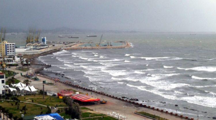 'Erëra të forta, dallgët do arrijnë lartësinë 3 metra', Drejtoria Detare në Shqipëri apel për kujdes