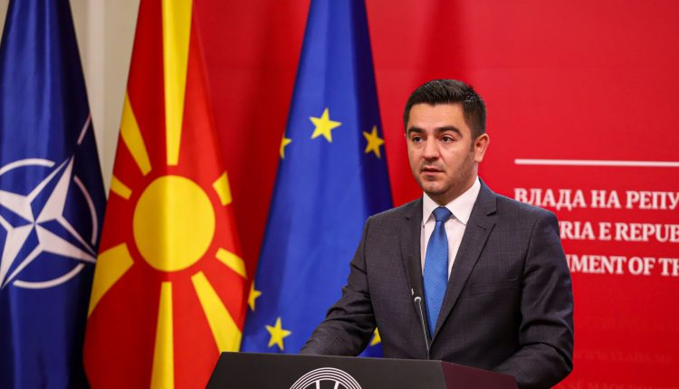 Bekteshi porositi gazetarët maqedonas: Mësoni gjuhën shqipe!