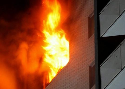 Shpërthen zjarr në një shtëpi në Gostivar,nuk ka të lënduar