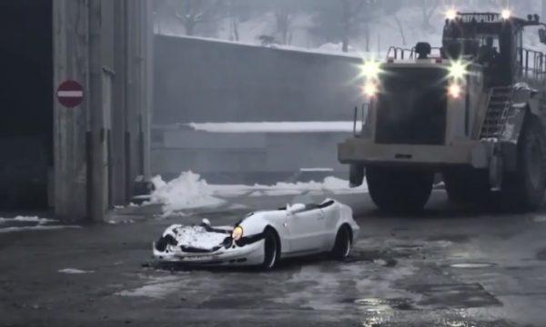 """Nuk ia dha rrogën, shqiptari bën """"horror"""" me Mercedesin e shefit në Zvicër (VIDEO)"""