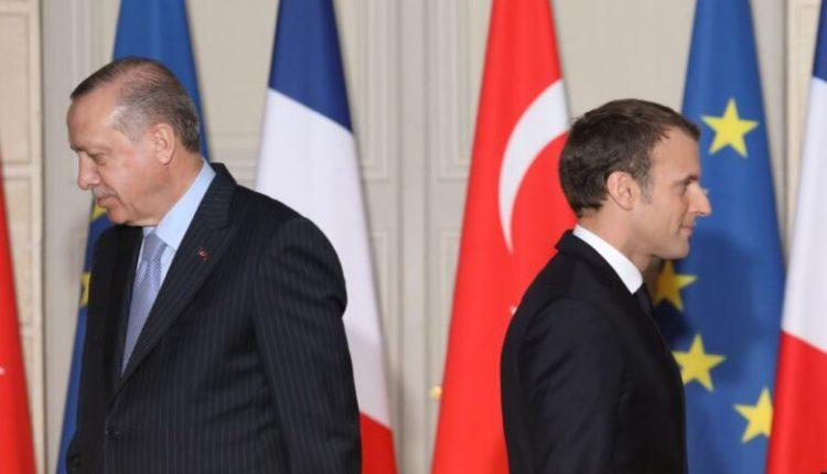 """Turqia akuzon Charlie Hebdon për """"racizëm kulturor"""""""