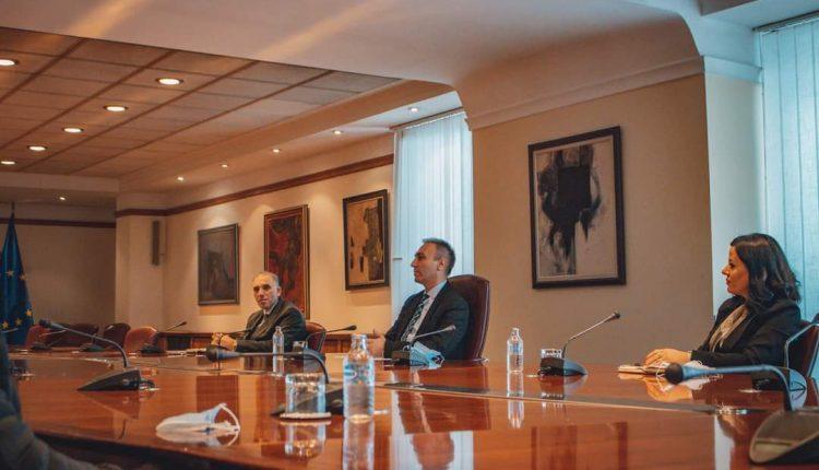 Artan Grubi takohet me Dekanin dhe kolegët profesorë të Fakultetit juridik pranë Universitetit Shtetëror të Tetovës