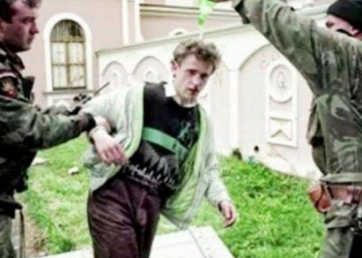 Historia e vrasjes së 24-vjeçarit shqiptar që punonte kamarier: Dy serbë i hodhën benzinë mbi kokë
