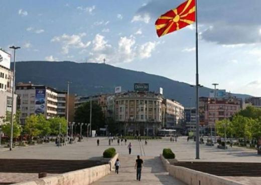 Drejt një izolimi të dytë, Maqedonia e Veriut voton të hënën vendosjen e orës policore