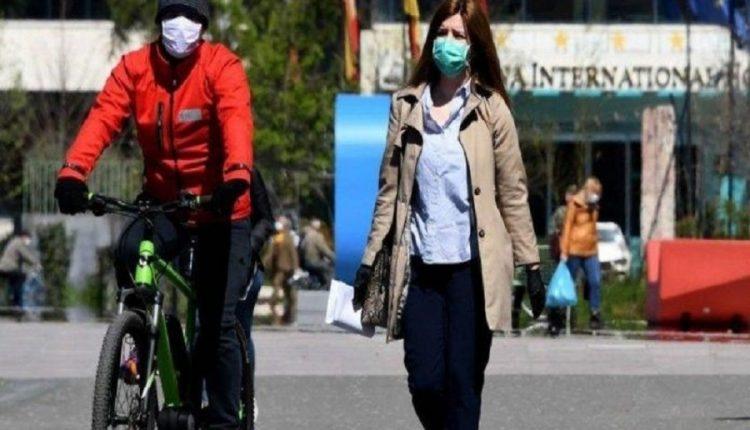 Policia gjobit 830 qytetarë për mos mbajtjen e maskës