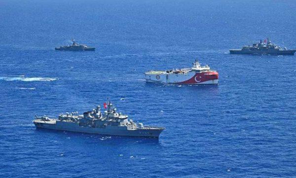 Anija sa vjen dhe afrohet, alarmohet Greqia: Ku po shkojnë Turqit?