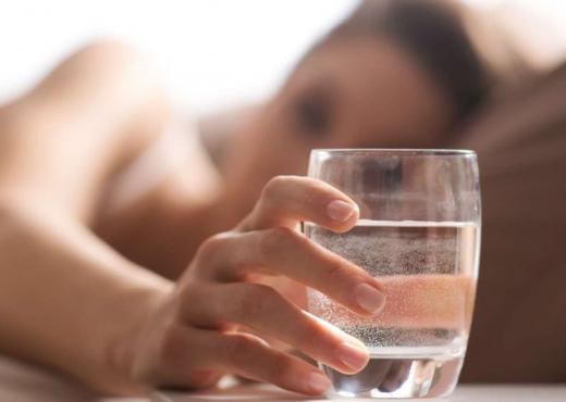 Merr fund dilema, sa ujë duhet të pini në ditë për të mbajtur trupin në formë