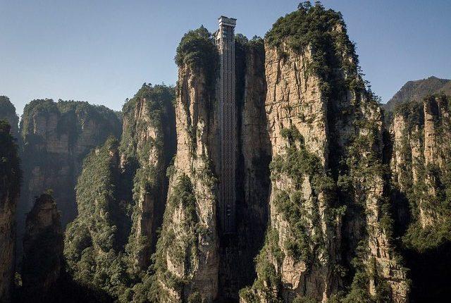 Kina ndërton ashensorin më të lartë në botë, 300 metra 'fluturim' në natyrë (FOTO)
