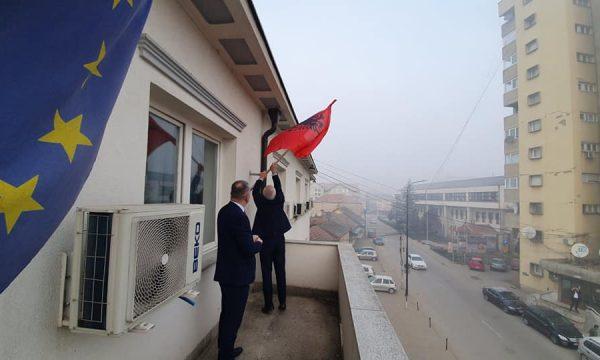 Pavarësisht ndalesave nga Serbia, në Luginë valoi flamuri kombëtar