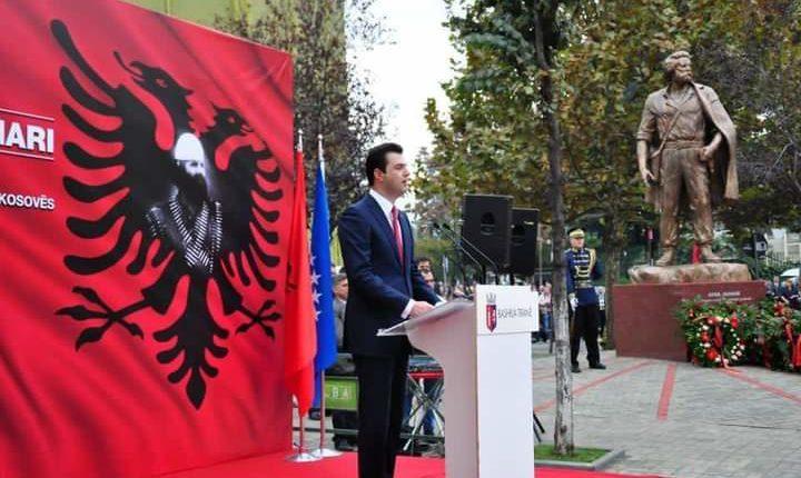 Basha nderon Adem Jasharin në ditën e lindjes: I dëshmoi botës mbarë se për zogjtë e shqipes liria s'ka çmim