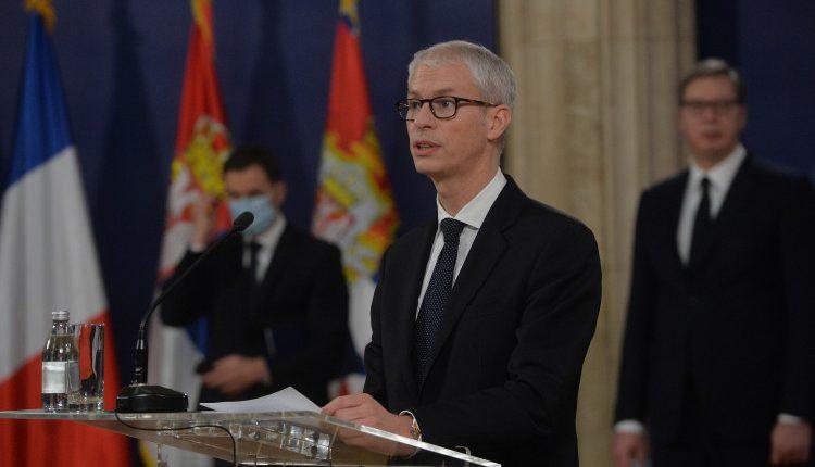 Ministri francez: Macron është shumë i interesuar për dialogun Kosovë-Serbi