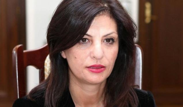 Jozefina Topalli regjistron partinë e re
