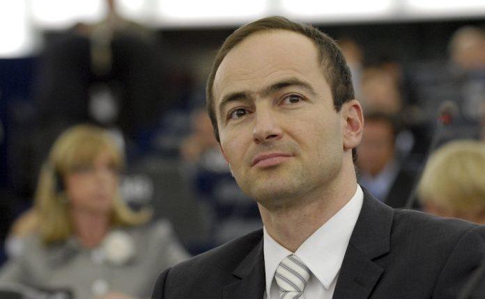 Kovaçev: Nuk mund të flisni bullgarisht paradite, ndërsa maqedonisht pasdite