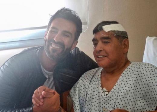 Ish-mjeku i Maradonës akuzon klinikën ku argjentinasi u operua së fundi