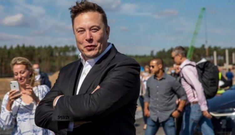 'Çdo gjë ka një çmim', Elon Musk dëshiron të ulë çmimin për udhëtimet në hapësirë