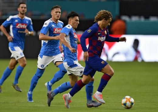 Skandali me Napolin, nuk i ka dhënë pagat futbollistëve dhe stafit