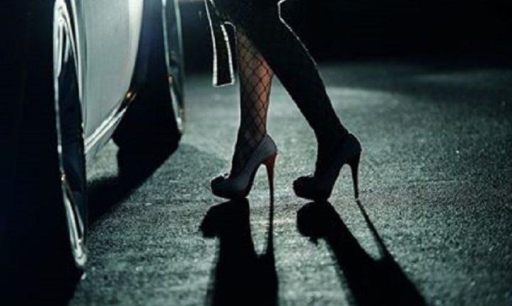 Një burrë dhe dy gra arrestohen për prostitucion në Fushë Kosovë