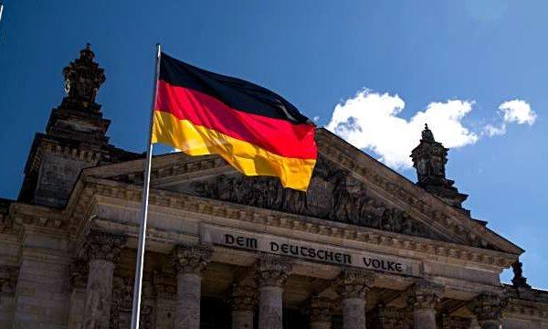 """Gjermani: Termi """"racë"""" do të hiqet nga Kushtetuta"""