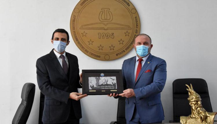Koordinatori i Agjencisë Turke për Bashkëpunim dhe Koordinim (TIKA) e vizitoi Universitetin e Tetovës