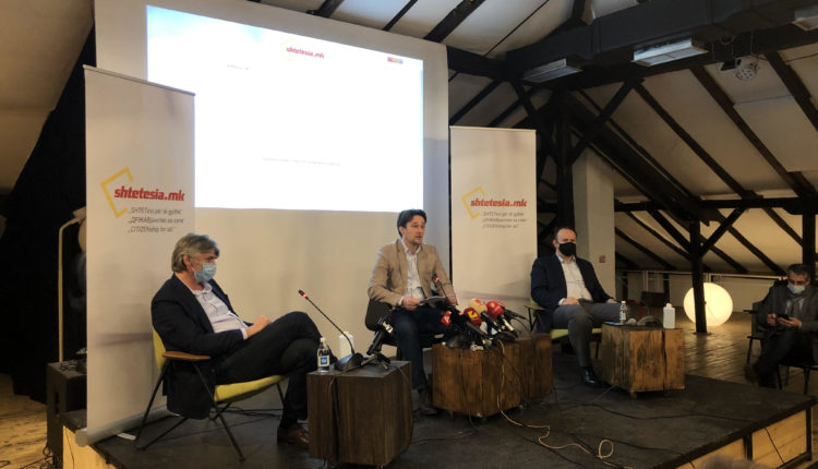 Opozita shqiptare prezantoi platformën për SHTETËSINË