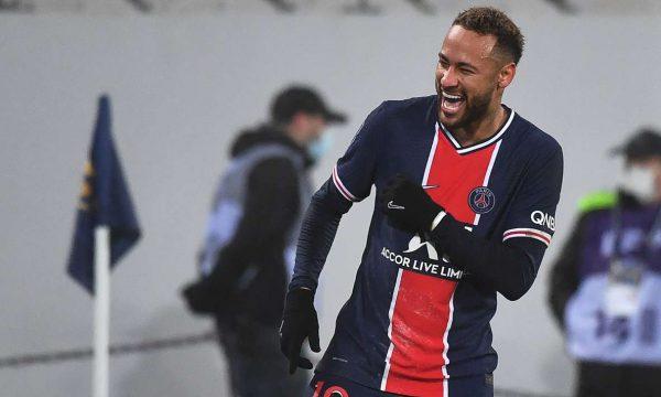 Pochettino merr trofeun e parë me Paris Saint-Germainin (VIDEO)
