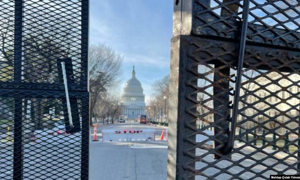Atmosfera ushtarake përfshin kryeqytetin amerikan para inaugurimit të Bidenit