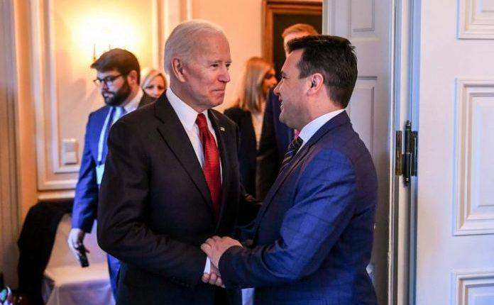 Zaev uron Bidenin: Besoj se do ta thellojmë aleancën
