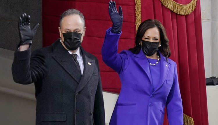 Përse gratë u veshën në vjollcë në ceremoninë e inaugurimit të Biden?