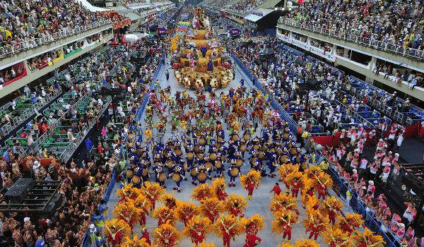 Anulohen karnavalet në Rio de Janeiro