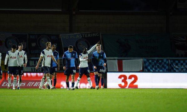 Tottenham kalon tutje në FA Cup