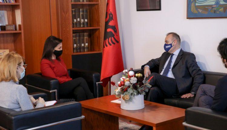 Ministrja Kushi, takim me Ambasadorin e OSBE në Tiranë