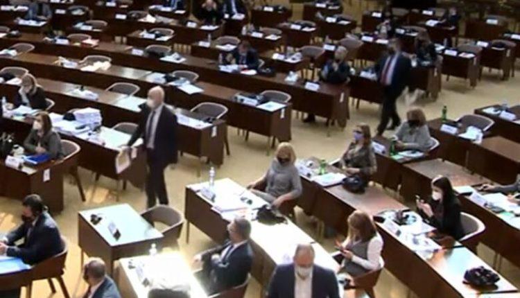 Kuvend, opozita shqiptare braktis seancën