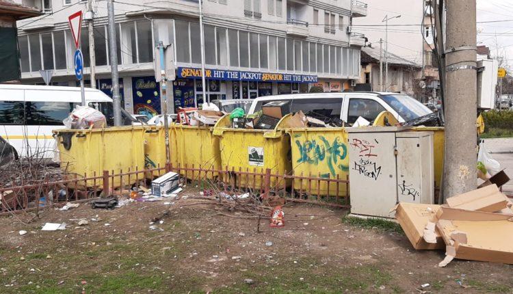 Digjen disa kontejnerë të mbeturinave në Shkup