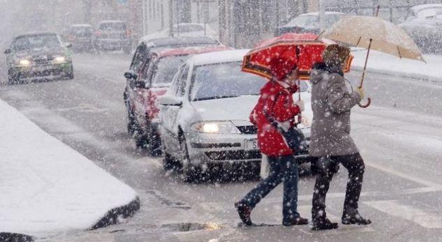 Reshje bore sot thuajse në gjithë vendin
