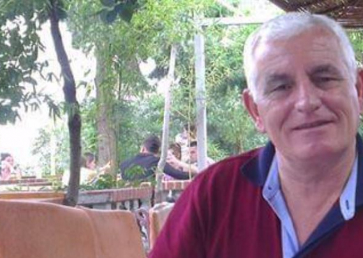 E rëndë në Elbasan, pedagogu i infektuar me COVID-19 vetëhidhet nga kati i shtatë