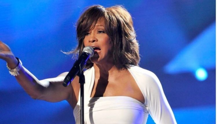 Pritet të zhvarroset trupi i Whitney Houston për autopsi të detajuar