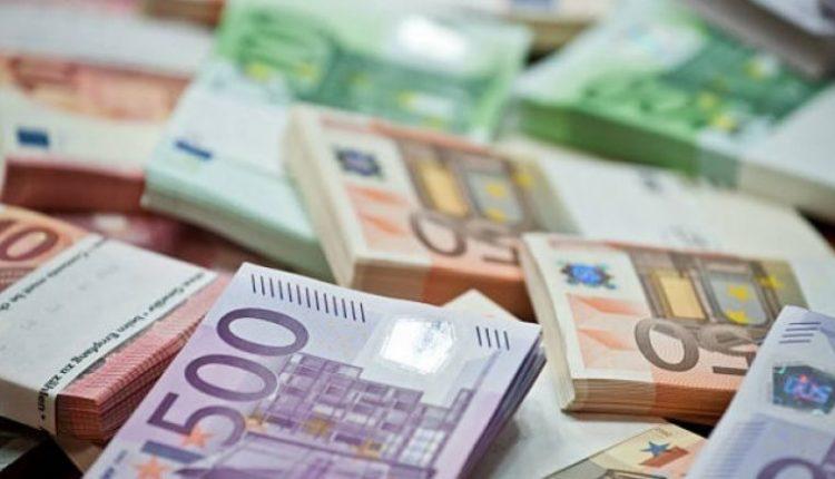 """Tre mashtrues e """"rjepin"""" 56 vjeçarin nga Dibra, ia morën 80 mijë euro"""