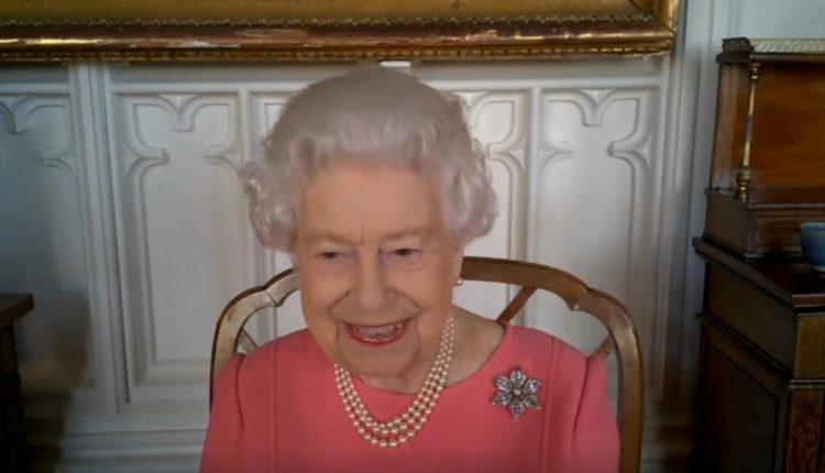 Mos u bëni egoist – vaksinohuni, thotë Mbretëresha Elizabeta