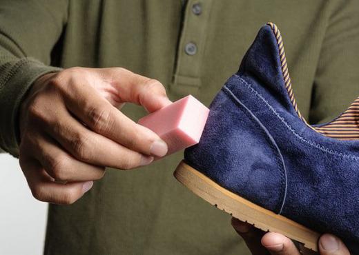 Thjeshtë me 2 truke që nuk i dinit: Si të pastrojmë këpucët e kastorit